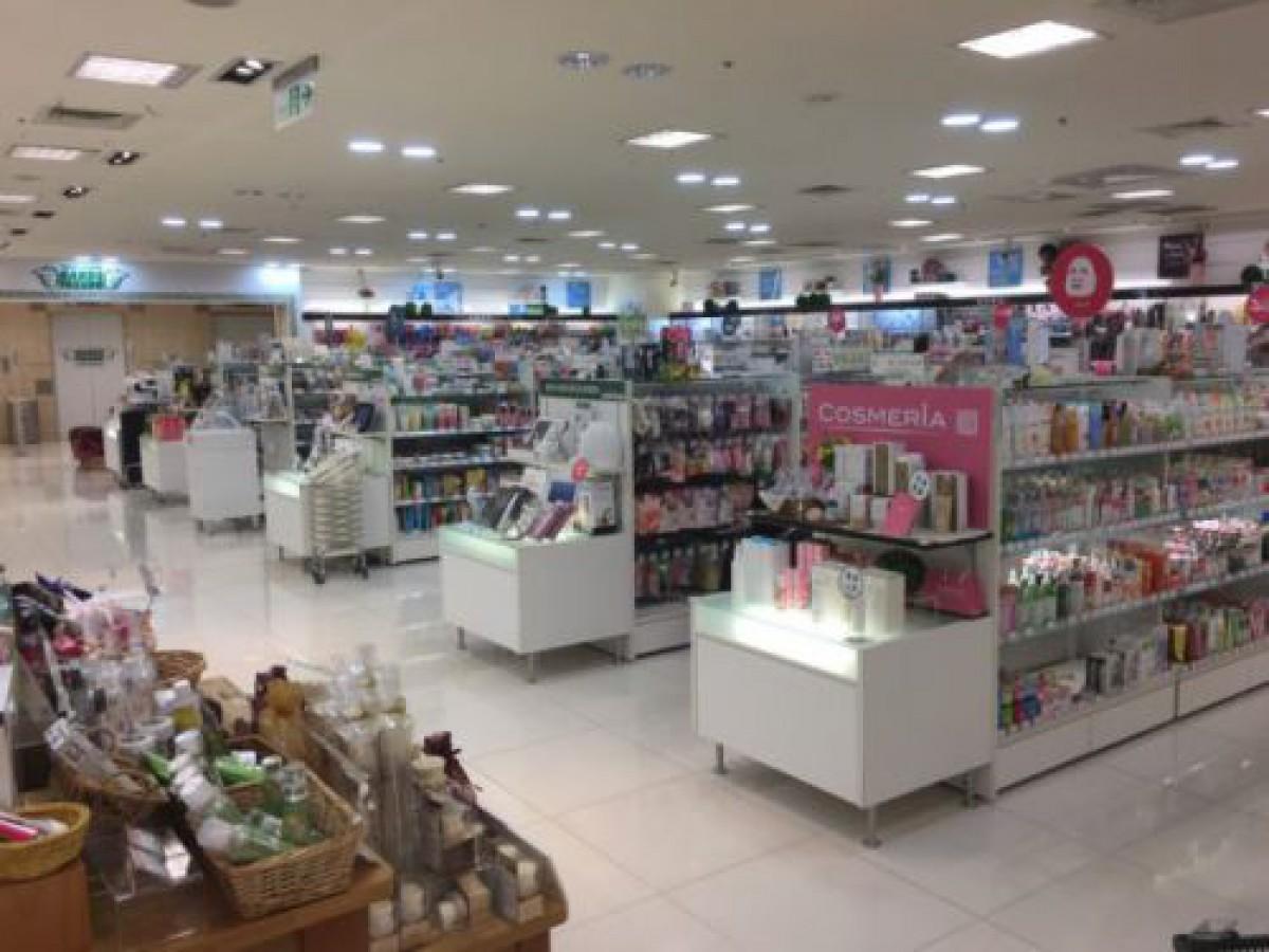 台湾人女性300人に調査「普段どこで化粧品・スキンケア商品を買いますか?」