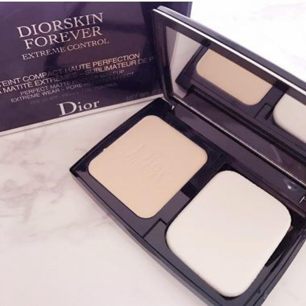 【Dior】素肌のように軽いパウダーファンデーション