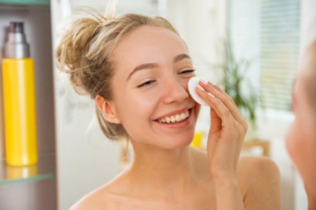 拭き取り化粧水の魅力って?上手な使い方とポイントをチェック!