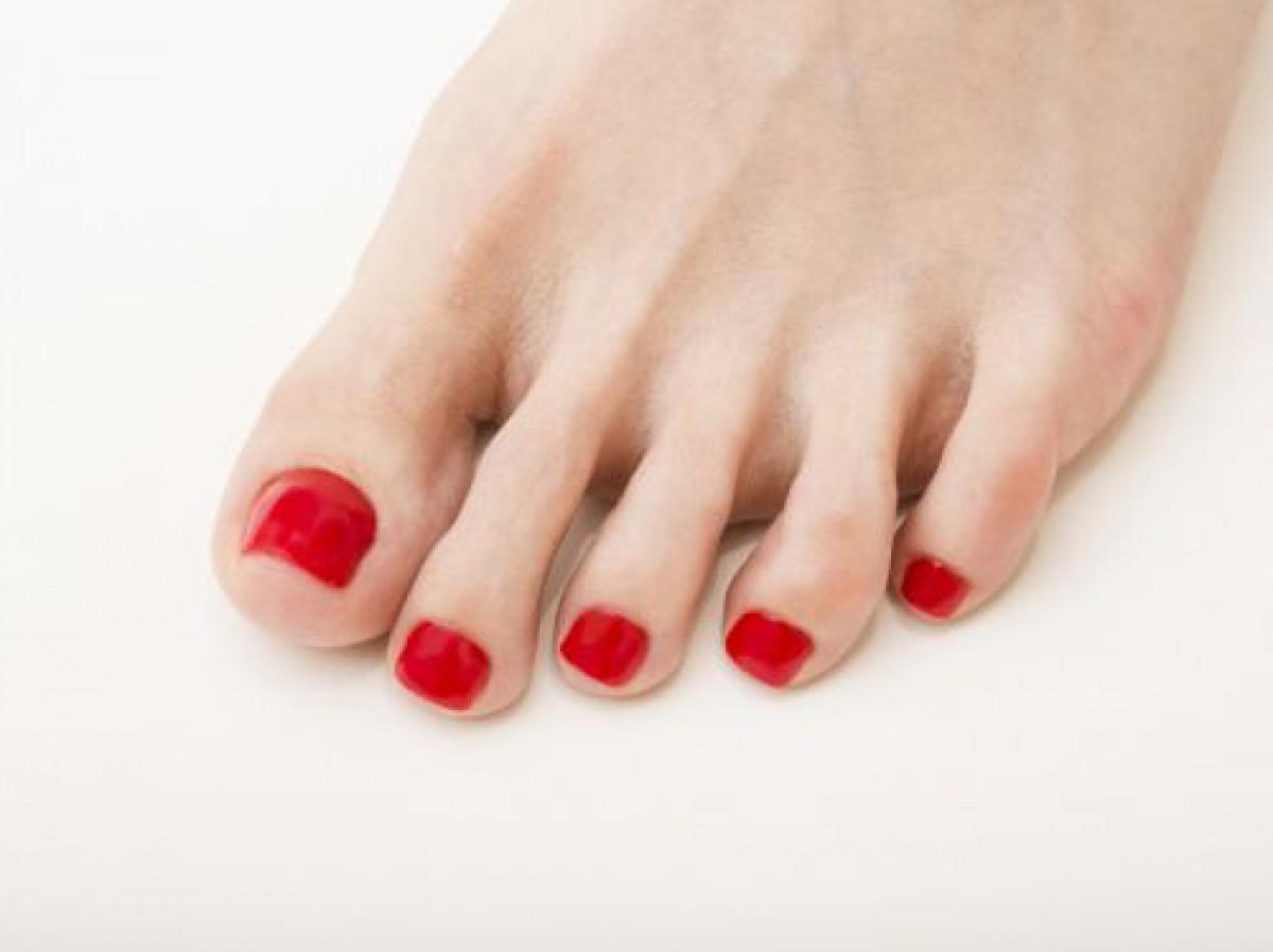サンダル女子必読!足指をきれいに見せるフットネイルデザイン10選
