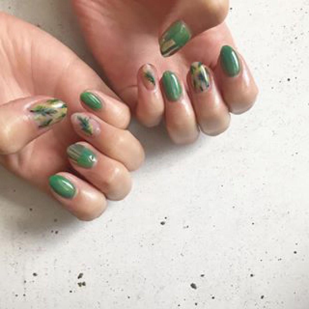 ミドリで好感度ぐぐ〜っと上げちゃう?癒しのグリーンカラーネイルデザイン集