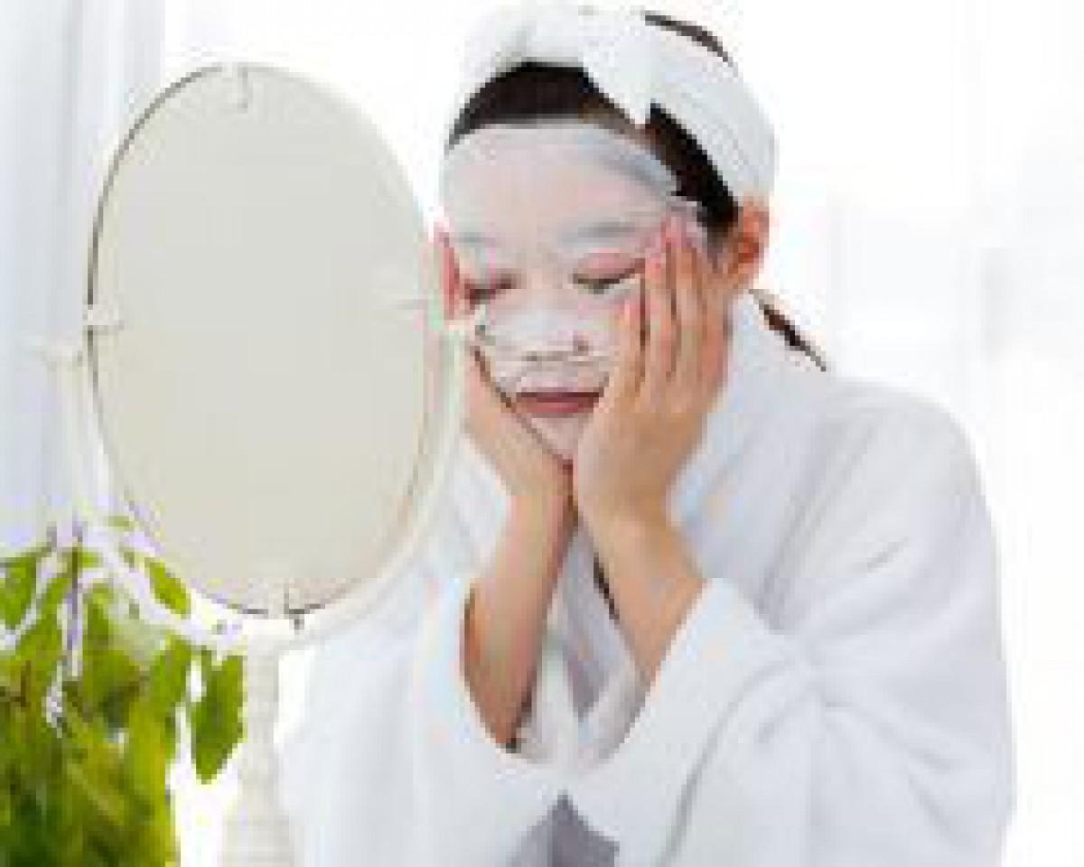 化粧水はお肌の大敵!?「美肌菌」が潤いの鍵を握る
