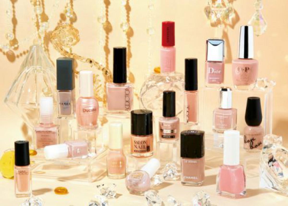 3位Dior、2位無印、1位は…? 本当に使いやすい、定番「ピンクベージュネイル」ランキング18選