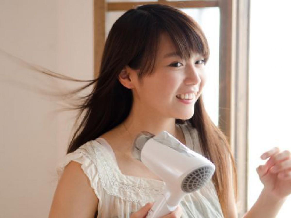 髪の毛の静電気の原因は傷み?乾燥?正しいヘアケアと静電気の防ぎ方