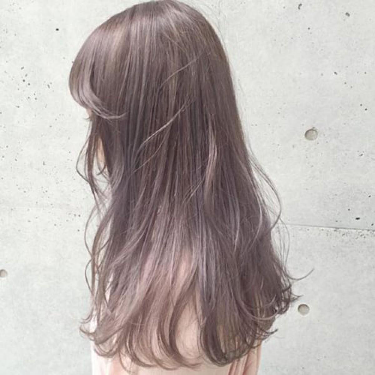 触ってみたくなる透明感♡ミルクティーカラーで作る柔らかヘアスタイル