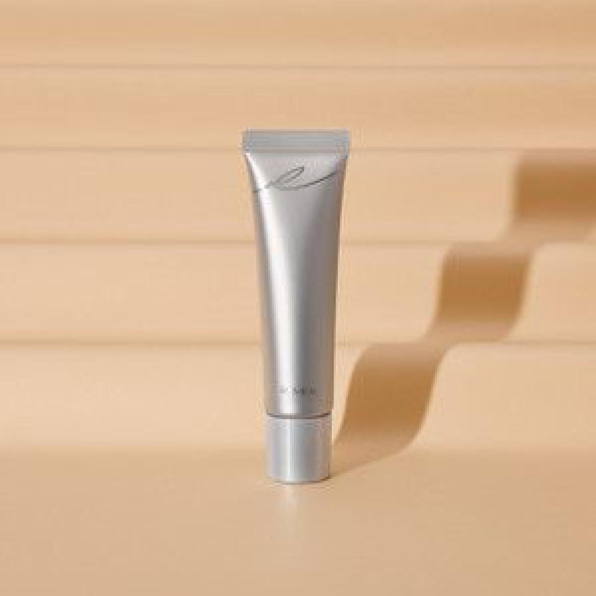 RMKから初のCCクリームが登場、カバー力と透明感を兼ね備えたジェルタイプ