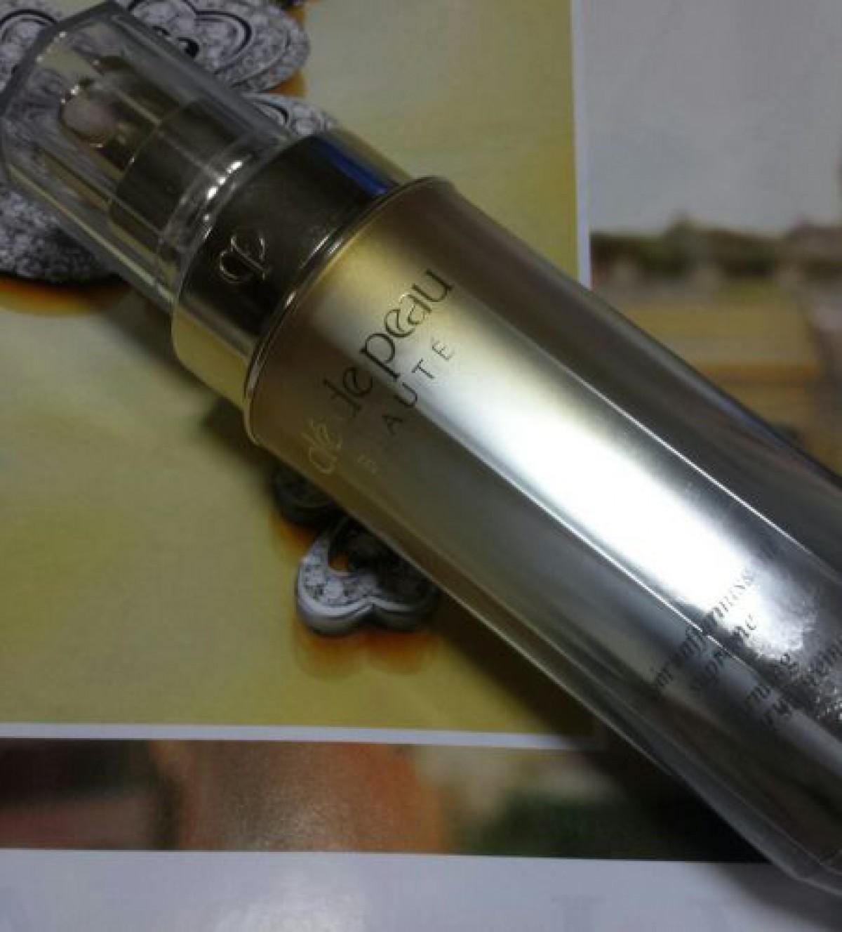 クレドポーボーテの4Dハリ美容液は継続が大事