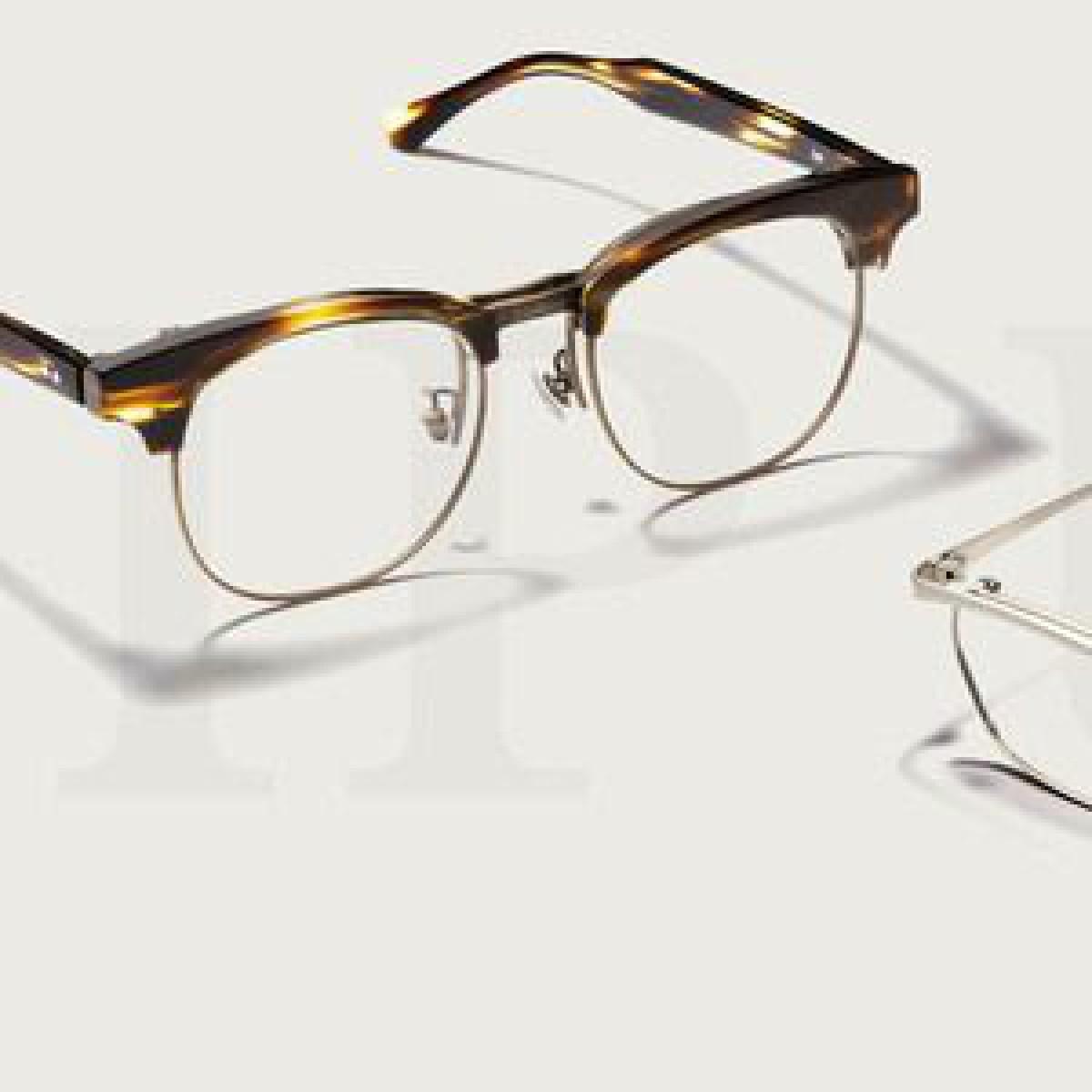 ゾフが新作メガネ「フリップアップ」を発売、フロントの上げ下げで遠近両方に対応