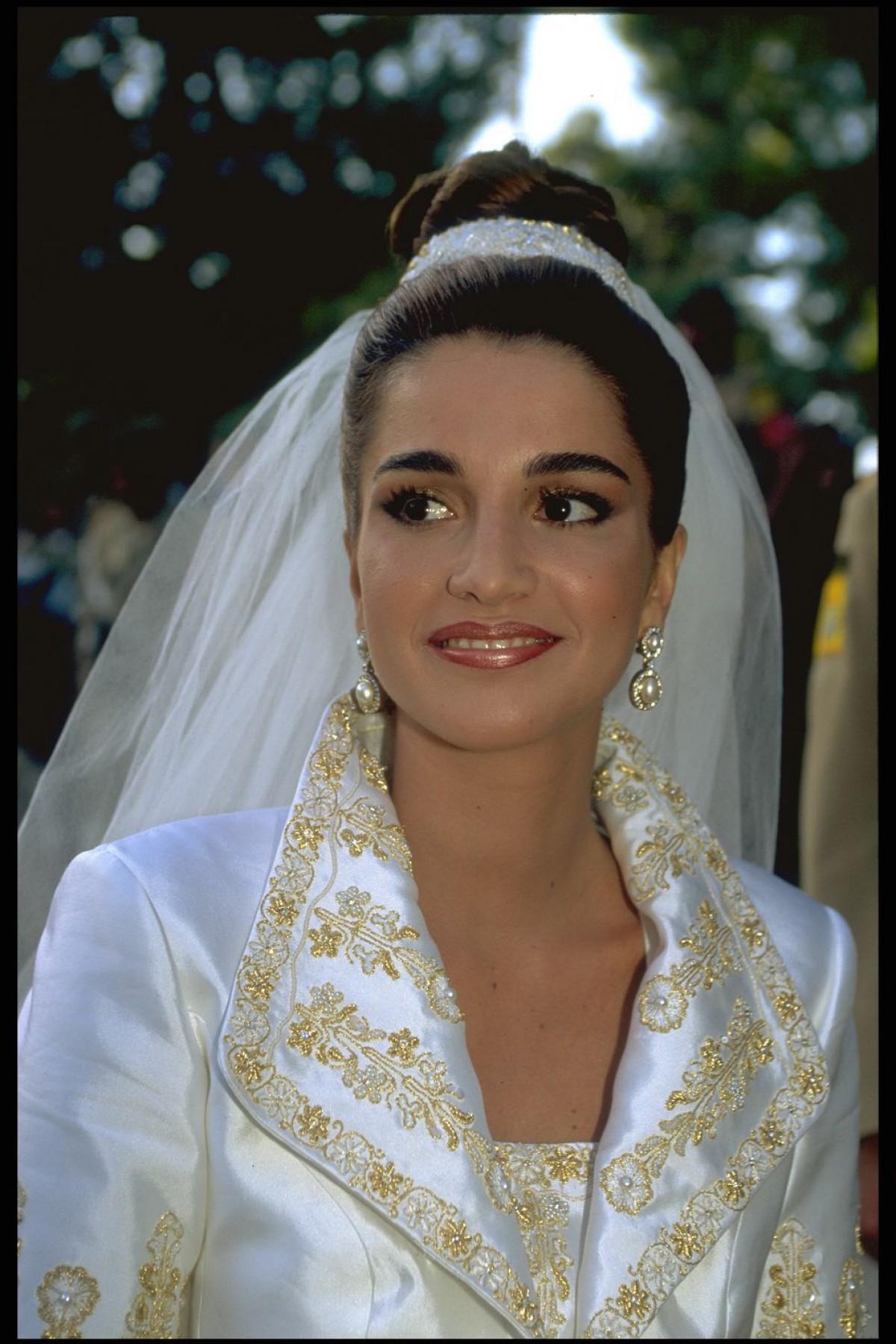 祝50歳! ヨルダン王室・ラーニア王妃の才色兼備なヘア&メイクをプレイバック(ELLE ONLINE)