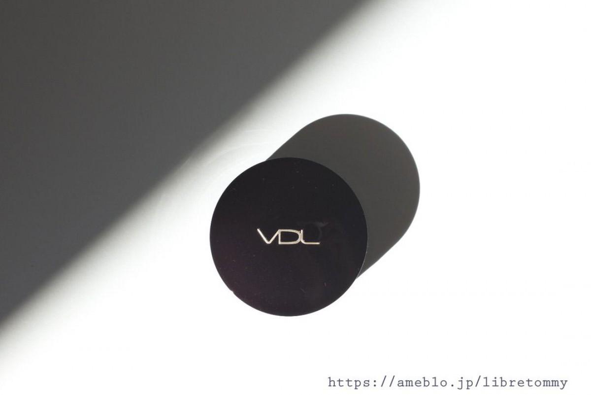 韓国コスメ VDL(ヴィ・ディー・エル) クッションファンデ  セミマットで衛生的なパケが魅力的
