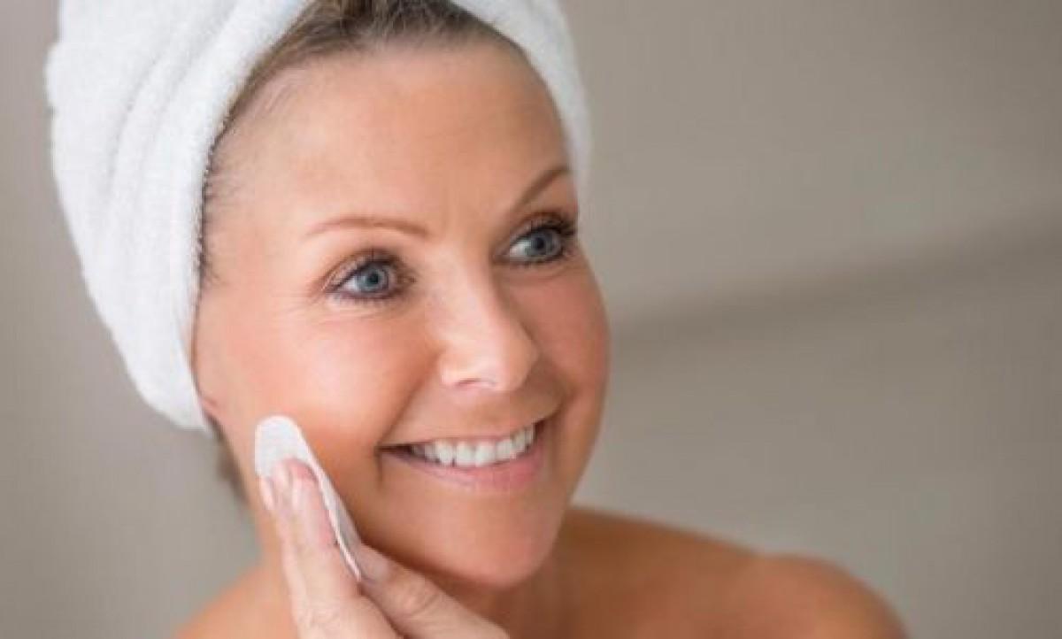 パリジェンヌの美肌の秘訣「洗わない洗顔」とは?